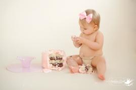 bebe con tarta