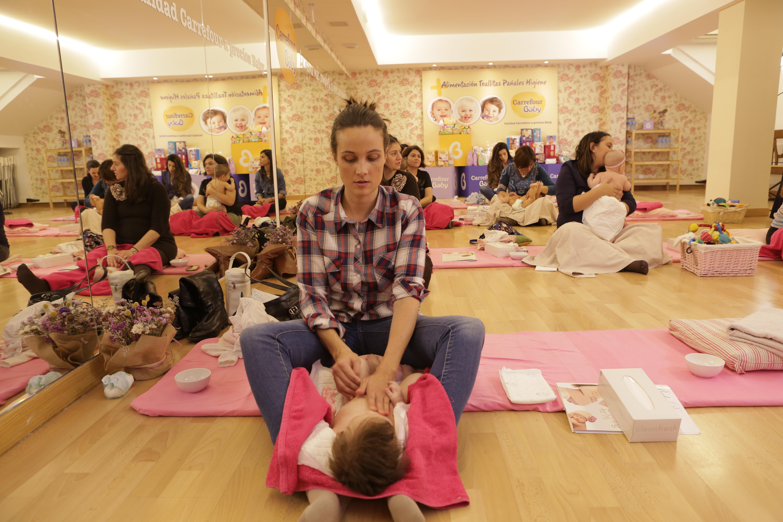 privado masaje pequeña mama